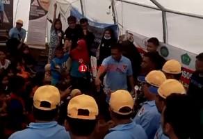 Bupati Mesuji Serahkan Bantuan Untuk Korban Tsunami