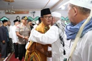 Bupati Pesisir Barat Sambut Kepulangan Jemaah Haji