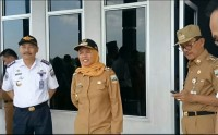 Bupati Pesisir Barat Sambut Pendaratan Uji Coba Pesawat Wings Air di Bandara Taufik Kiemas