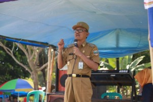 Bupati Pesisir Barat Upayakan Dusun Pengekahan dapat Akses Jalan dan Penerangan Listrik