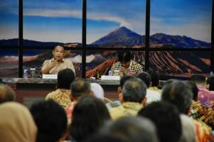 Bupati Umar Ahmad Sampaikan Profil Tubaba di Kemendikbud