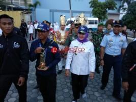 Bupati Winarti Melepas Tim Kirab Api Obor Asian Games