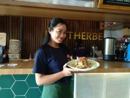Cafe Brotherbe Sediakan Gurame Dabu-Dabu Khas Manado