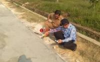 Camat Tanjung Raya Pantau Langsung Pembangunan Desa Mekar Sari