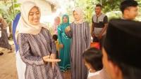 Cawagub Lampung Chusnunia Salat Id di Waway Karya