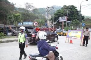 Cegah Kepadatan di KM 15 Tarahan, Arus Lalu Lintas Menuju Pelabuhan Bakauheni di Alihkan ke Tol