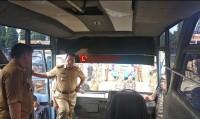 Cek Randis, Arinal Temukan Kerusakan di Bus Pengangkut Pegawai Pemprov