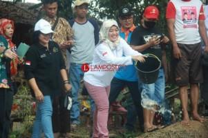 Chusnunia Buka Festival Tangkap Ikan di Purbolinggo
