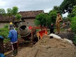 DD Tahap II, Desa Gayam Bangun Jalan Rigit Beton di Dusun I dan IV