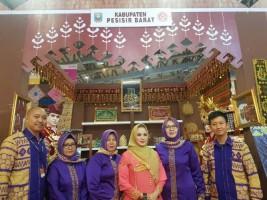 Dekranasda Pesisir Barat Ramaikan Inacraft 2019
