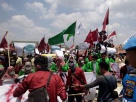 Demo Mahasiswa di Pringsewu Damai