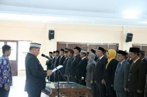 Dendi Ramadhona Lantik 194 Pejabat Eselon III dan IV