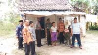 Desa Bumiasri Salurkan Bantuan Stimulan Perbaikan Rumah Tidak Layak Huni