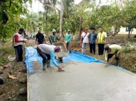 Desa Pasuruan Kembali Bangun Jalan Beton Manfaatkan Dana Desa