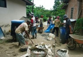 Desa Pasuruan Lanjutkan Pembangunan Jalan Beton