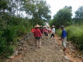 Desa Simpang Mesuji Perbaiki Jalan Desa