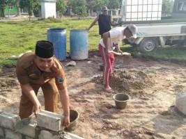 Desa Srikaton Kerjakan Pembangunan Stadion Mini dan Alun-alun