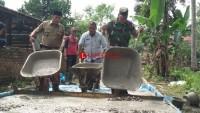 Desa Sukamarga Bangun Jalan Cor Penghubung Antar DusunManfaatkan DD Tahap III