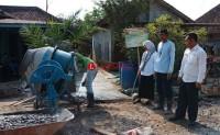 Desa Sukaraja Realisasikan Jalan Cor Beton di Tahap Kedua