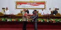 DPRD Tubaba Berikan Catatan Kinerja Umar Ahmad-Fauzi Hasan dalam LKPj 2018