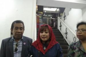 Dewi Tanjung Tak akan Cabut Laporan Makar Eggi Sudjana