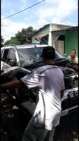 Diduga Labas Palang Pintu Perlintasan, Pajero Ditabrak Babaranjang