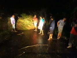 Diguyur Hujan Deras, Tiga Akses Jalan di Desa Kelawi Bakauheni Putus