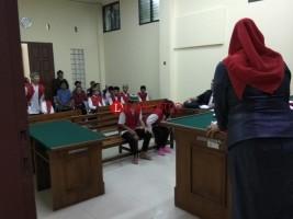 Dijerat Hukuman Berat, Hakim Sarankan Anak Ibu Pengedar Narkoba Pakai Pengacara
