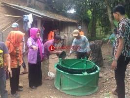 Dinkes Latih Pembuatan Septic TankWargaDesa Ibul Jaya