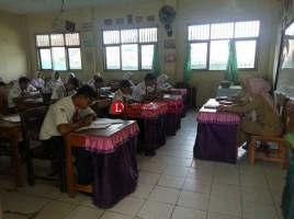 Disdik Lamsel Segera Terapkan Larangan Siswa Bawa Ponsel ke Sekolah