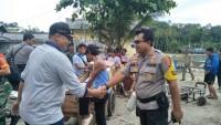 Ditpolair-Polres Pesawaran Bersama Instansi Terkait Berikan Bantuan ke Pulau Legundi