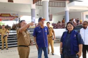 DPD NasDem Pesisir Barat Serahkan Bantuan Korban Tsunami