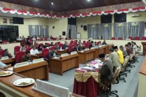 DPRD Lambar Bahas Anggaran Hingga Larut Malam