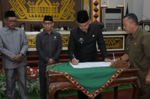 DPRD Pringsewu Sahkan Ranperda APBD 2019