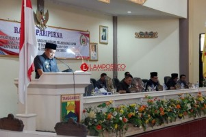 DPRD Tanggamus Paripurna  Pertanggungjawaban APBD 2017