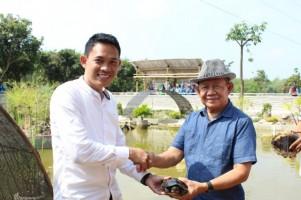 Dukung Pembangunan Taman Bejuqeu, SMK MUTU Hibahkan 9 Ekor Kura-kura