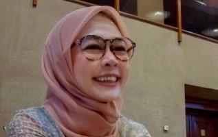 Dwie Aroem Target 4 Kursi dari Lampung Duduk di Senayan