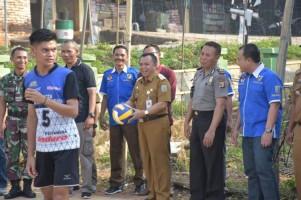 Wabup Way Kanan Buka Open Turnamen Bola Volly KNPI Cup