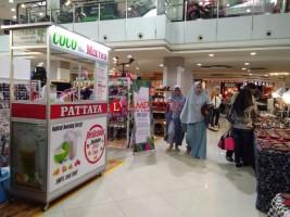 Elly Sugigi dan Irfan Sbaztian Meriahkan Pameram Fashion and Batik di MBK