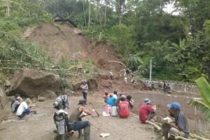 Empat Kecamatan di Gunung Kidul Diterjang Tanah Longsor