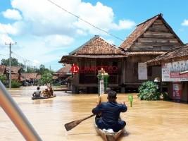 Empat Kecamatan di Way Kanan Terparah Terkena Dampak Luapan Sungai