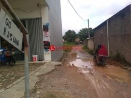 Gang Asyani Rusak, Warga Way Huwi Harapkan Perbaikan