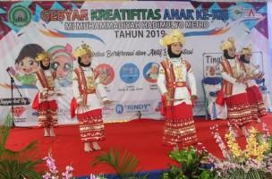 Gebyar Kreativitas Anak MI Muhammadiyah Hadimulyo Meriah