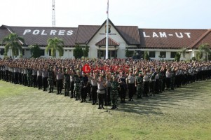 Gelar Upacara Pengamanan TPS, Polres Lampura Libatkan 656 Personel Gabungan
