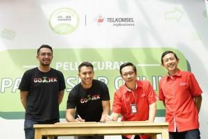 GO-JEK dan Telkomsel Luncurkan Paket Komunikasi Bagi Mitra