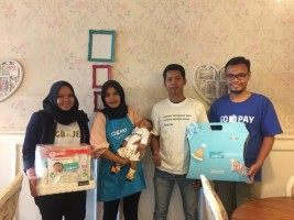 Gojek Lampung Sambangi Bayi Bernama Gopay di Lamtim