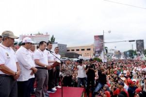 Gubernur Lampung M Ridho Ficardo Bersama Puluhan Ribu Masyarakat Lakukan Deklarasi Safety Riding