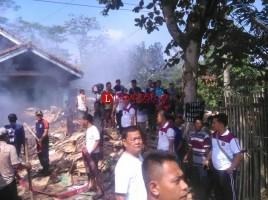 Gudang Rongsokan di Tubaba Terbakar