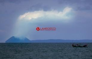 Gunung Anak Krakatau 'Batuk' Lagi 43 Detik