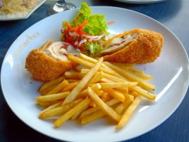 Gurih Nikmatnya Chicken Cordon Blue ala Masterpiece